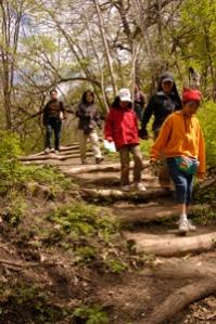 Hiking-Family_200